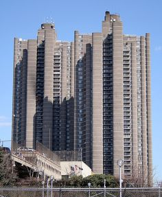 These apartment towers, I found in The Bronx, near Marline's High School, The Bronx High School of Science. I just loved the design.    Located at Jerome Ave. and Mosholu Parkway. The camera is pointed northeast.    (This is one of many pictures taken du