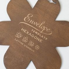 This envelope template makes gorgeous little envelopes. Click thru to see what we mean.