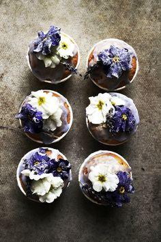 Lavender cupcakes with candied primroses - nom nom nom