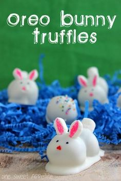 Celebrating Oreos!! The first Oreo was sold in 1912 today, come see all these great recipes for home and school! ~By www.FernSmithsClassroomIdeas.com Recipe, Bunnies Truffles, Oreo Bunnies, Food, Easter Bunnies, Cake Pop, Oreo Truffles, Easter Bunny, Easter Treats