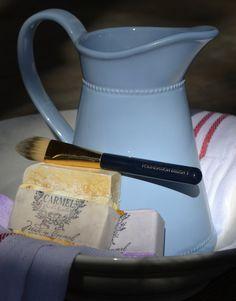 FOUNDATION & MAKEUP BRUSH cleaner
