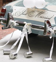 Decorando el auto de los novios | ...Cabeza de novia
