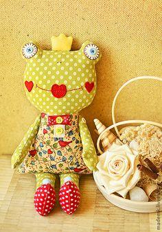 Animais de Brinquedo, Feitos à MAO. Mestres justo - Feitos Frog Princess A Mão / Brinquedo Bard / verde. Handmade.
