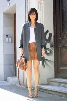 So simple and chic! Via Golestaneh - Street Style