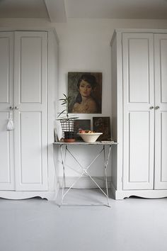 little white table