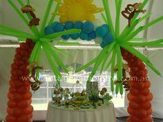 Candy bar con animalitos, monitos, arco de globos. Sweet, ballon, animals, Jungle. http://antonelladipietro.com.ar/blog/2011/11/animales-de-la-selva/