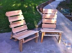 Those Crafty Sisters | adirondack chairs made from old pallets