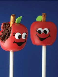 Apple Cake Pops: a great teacher's gift for Back to School night!