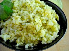 cilantro lime rice - this looks like the one at Chipotle - YUMMO!!!