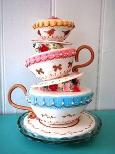 Beautiful vintage #wedding #cake from Creightons