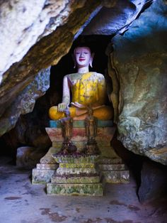 Buddha Hidden in the Tham Sang Caves, Vang Vieng, Laos, Indochina, Southeast Asia, Asia