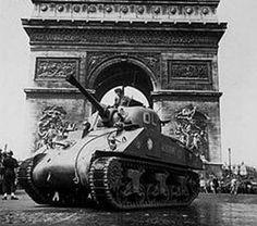 Sherman Tanks in Paris #WorldWar2 #Tanks
