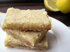 Lemon coconut bars, gluten and sugar free. I love lemon desserts! #noms
