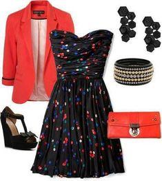 vestido estampado y saco rojo