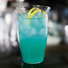 Blue Avalon   (1 oz light rum  1 oz coconut rum  1 oz blue curacao  4 oz sprite  lemon juice)
