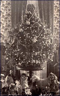 1895 . The first electrically lighted Christmas tree was displayed in the White House by First Lady Frances Cleveland. This event was instrumental in bringing the wonder of electric Christmas tree lighting to the general public's awareness. The tree was set up in the family room and library (today the Yellow Oval Room), and decorated with gold angels with spreading wings, gold and silver sleds, tops of every description, and lots of tinsel. Under the tree was a miniature White House and a dol...