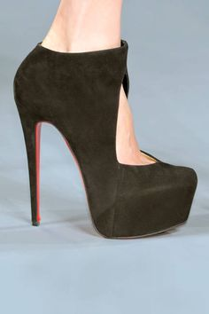 Louboutin Fall 2012 - oh these shoes <3