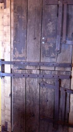 Porta antiga/rústica