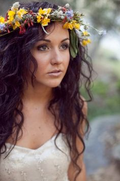 flowers in hair hippie, natural makeup, hair flowers, fairy hair, flower crowns, inspiration photography, forest wedding, flower children, bride