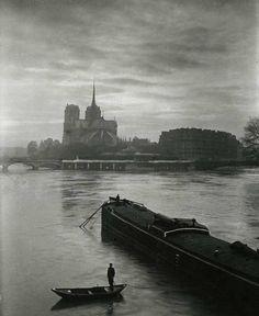 Notre Dame sous la brume en 1920