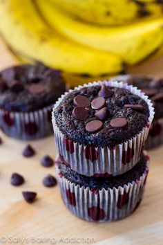Skinny Chocolate Banana Fudge Muffins by Sallys Baking Addiction //  Made with mashed bananas and applesauce, so no butter and no oil. #muffin #recipe #chocolate