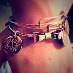 monogramed bows, bow bracelet, monogram bow