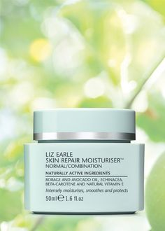 Liz Earle Skin Repair Moisturiser normal/combination - This perfectly balanced moisturiser softens, smoothes and conditions normal/combination skin for a naturally healthy-looking glow.