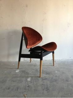 Los Angeles: Vintage mid century chair  $475 - http://furnishlyst.com/listings/382579