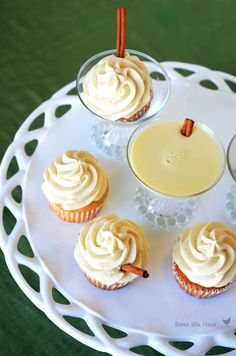 Eggnog Cupcakes - Santa might like these more than cookies on Christmas Eve!