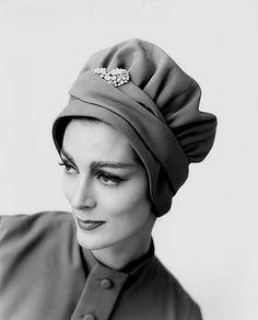 Carmen Dell'Orefice - vintage hat