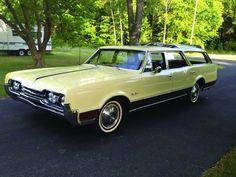 1967 Oldsmobile Vista Cruiser Station Wagon