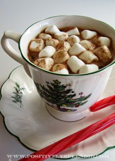 """Homemade """"Instant"""" Hot Chocolate - SO much yummier than the store-bought version!"""