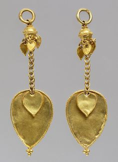 Pair of earrings - Late 4th-early 5th century