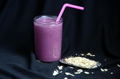 ButterYum: Blueberry Pomegranate Oatmeal Smoothie - CCC
