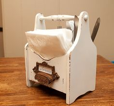 .: Silverware caddy & paper towel holder
