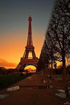 Champs de Mars & Eiffel Tower, Paris VII