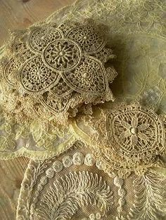 Fabulous collection vintage 1920s tulle lace doilies + Schiffli lace appliques