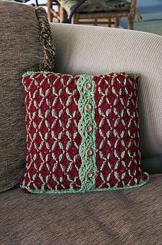 Ravelry: Home for the Holidays Pillow pattern by Carrie Carpenter