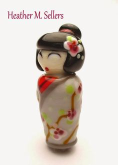 Cherry Blossom Kimono, a lampwork glass bead by Heather Sellers. #CherryBlossom #HeatherSellers #LampworkGlass