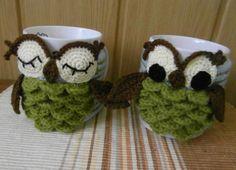 Crocheting: Owl mug cozy