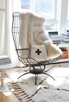 Cozy, black & white