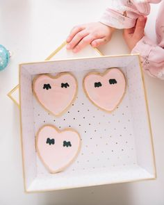 DIY LASH HEART COOKI