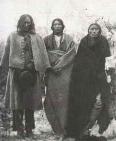 Little Wolf and Others at Fort Laramie by Alexander Gardner, 1868    According to P. Powell, the man on the left is Short Hair