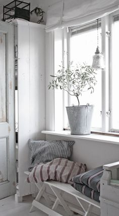 rustic coastal decor, benches, buckets, window, white walls, coastal style, hous, stripe, country interiors