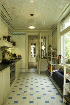 Original kitchen from 1900 at Boulevard Leopold in Antwerp