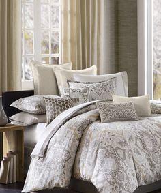 Gray & Cream Paisley Duvet - Gorgeous!