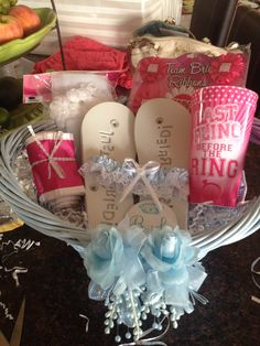 Cheap Bridal Shower Gift Basket Ideas : Gift baskets on Pinterest Holiday Gift Baskets, Gift Baskets and Br ...