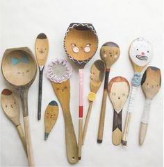 Look at these awesome hand-painted spoon crafts! [h/t small for big]