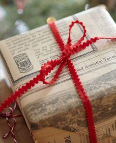 holiday, traditional christmas, christmas style, christmas gift wrapping, bow