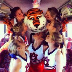 Aubie loves his cheerleaders!